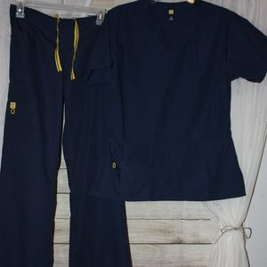 ***NWOT***{WonderWink} Navy Scrub Set